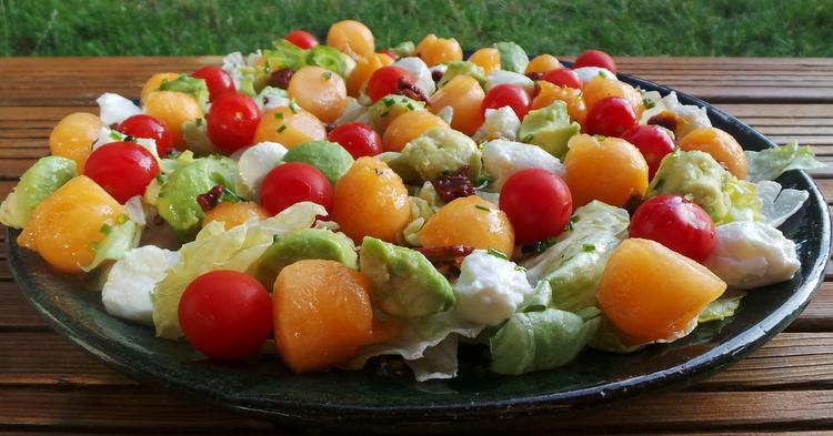salade mozza, melon et avocat